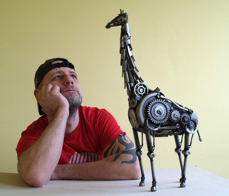 Tomas Vitanovsky makes animal sculptures out of scrap metal (11)