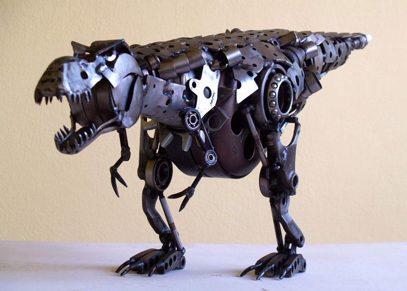 Tomas Vitanovsky makes animal sculptures out of scrap metal (5)