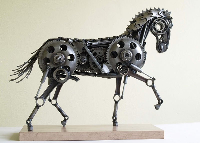 Tomas Vitanovsky makes animal sculptures out of scrap metal (6)