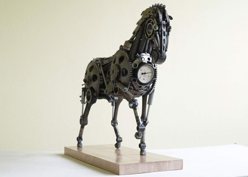 Tomas Vitanovsky makes animal sculptures out of scrap metal (7)