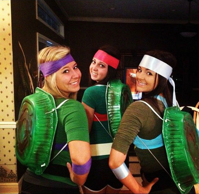 cheap easy diy group costumes for halloween (5) TwistedSifter - Cheap Easy Halloween Costumes