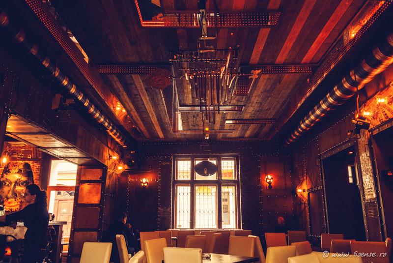 Enigma-cafe-cluj-romania-by-6th-sense-interiors (3)