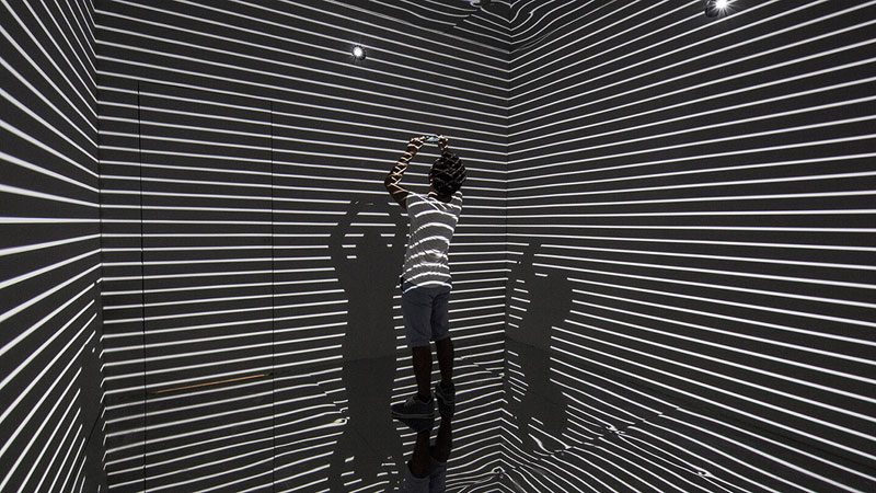 Infinity Room 2015 by Refik Anadol (2)