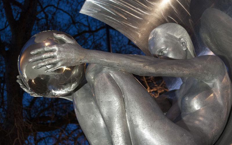sculptures by lorenzo quinn artist (11)