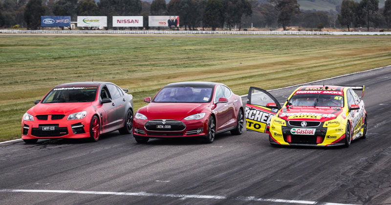 tesla-drag-race-vs-Holden-V8-Supercar-vs-Walkinshaw-HSV-GTS-Drag-Race
