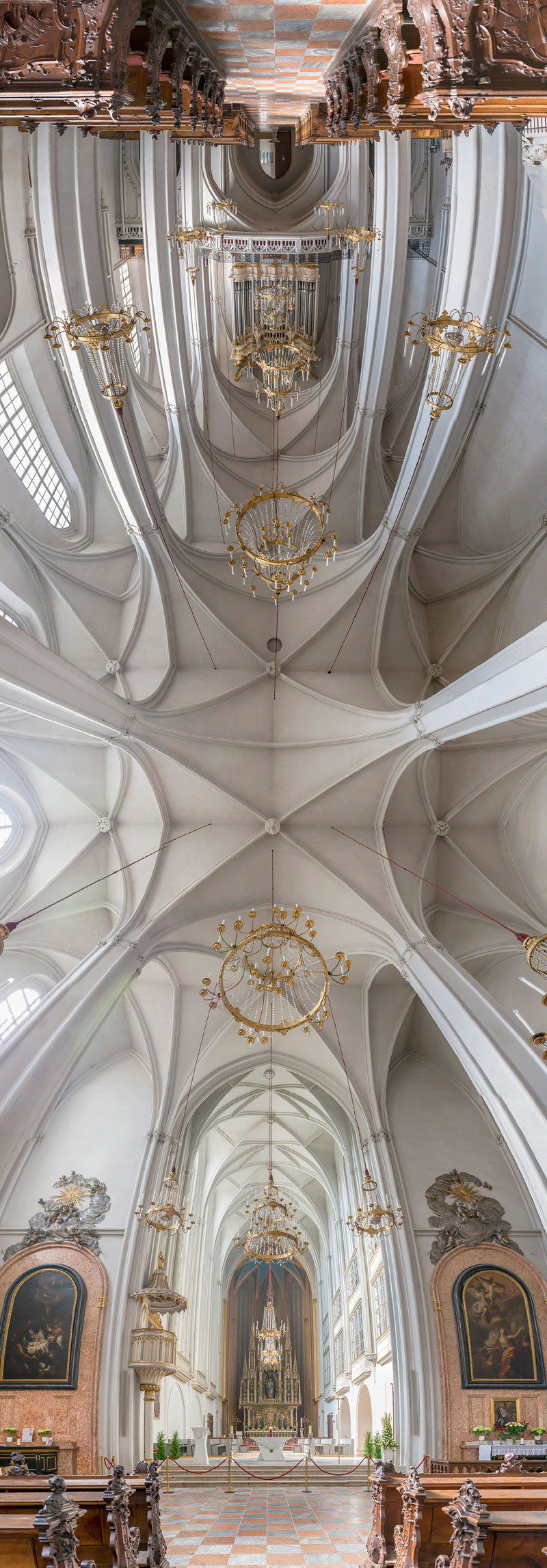 Vertical Panoramas of Church Ceilings Around the World (1)