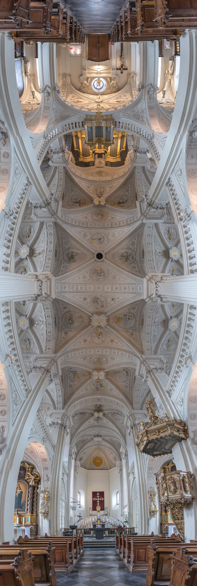 Vertical Panoramas of Church Ceilings Around the World (10)