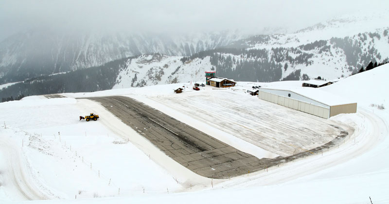 courcheval-altiport-short-takeoff-in-french-alps-video