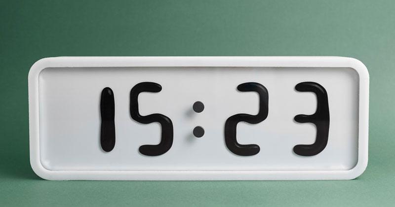 Rhei: An Electro-Mechanical Clock with a LiquidDisplay