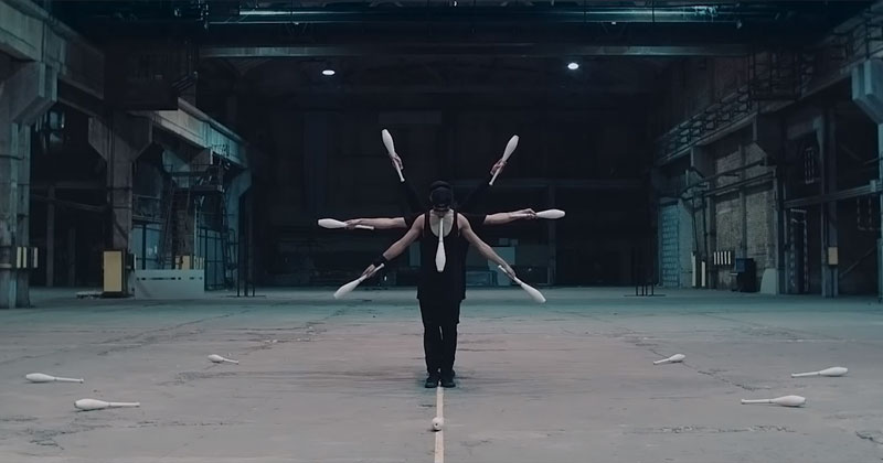 This Synchronized Juggling Routine is Awesome