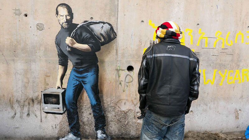 New Banksy Mural of Steve Jobs Highlights Refugee Crisis