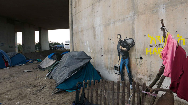 Banksy Mural of Steve Jobs Highlights Refugee Crisis (4)