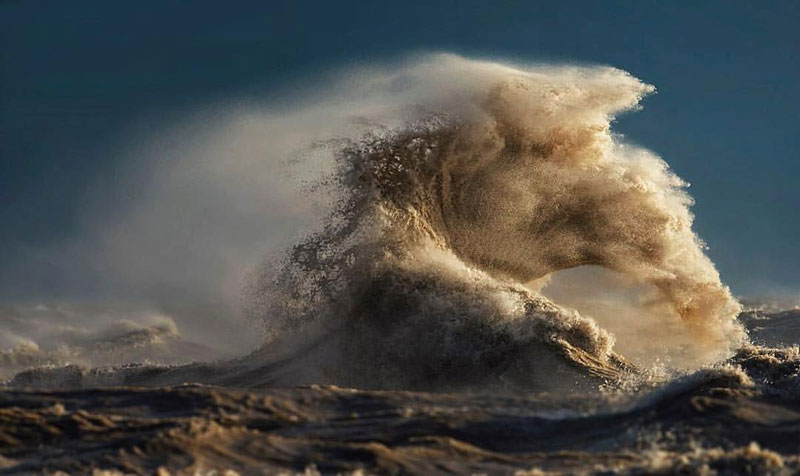 crashing waves liquid mountains by dave sandford (1)