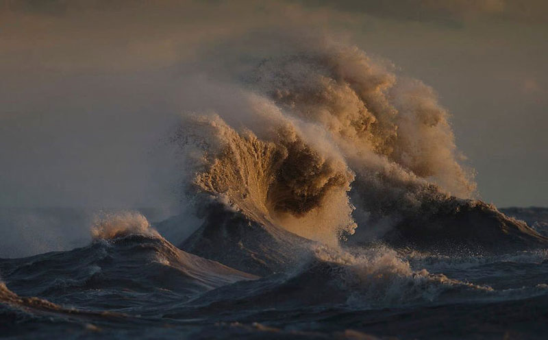 crashing waves liquid mountains by dave sandford (16)