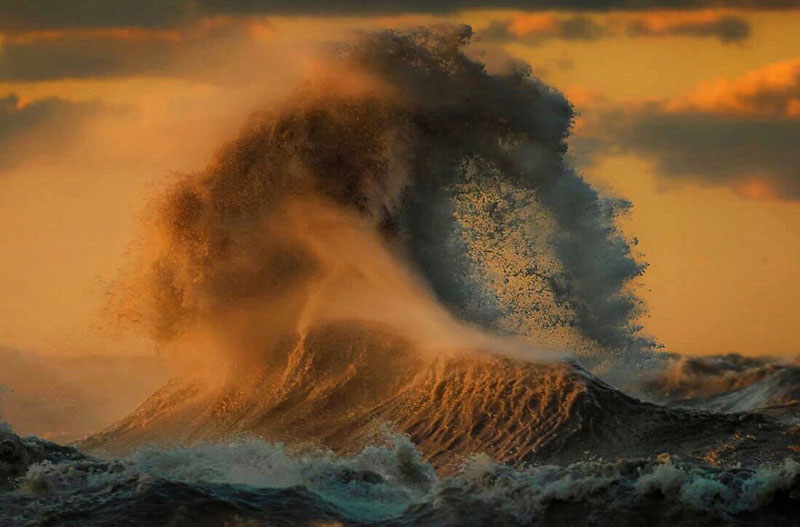 crashing waves liquid mountains by dave sandford (18)