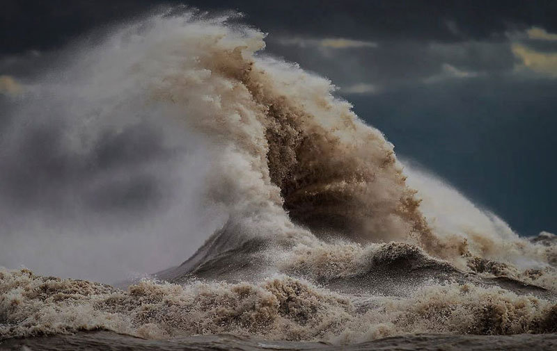 crashing waves liquid mountains by dave sandford (19)