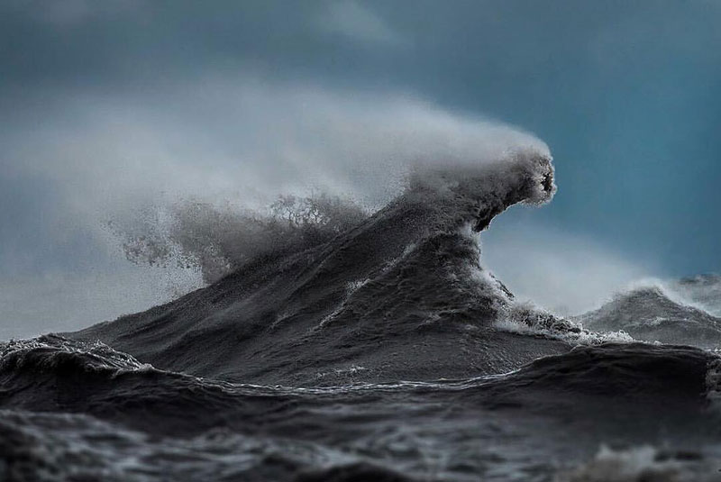 crashing waves liquid mountains by dave sandford (2)