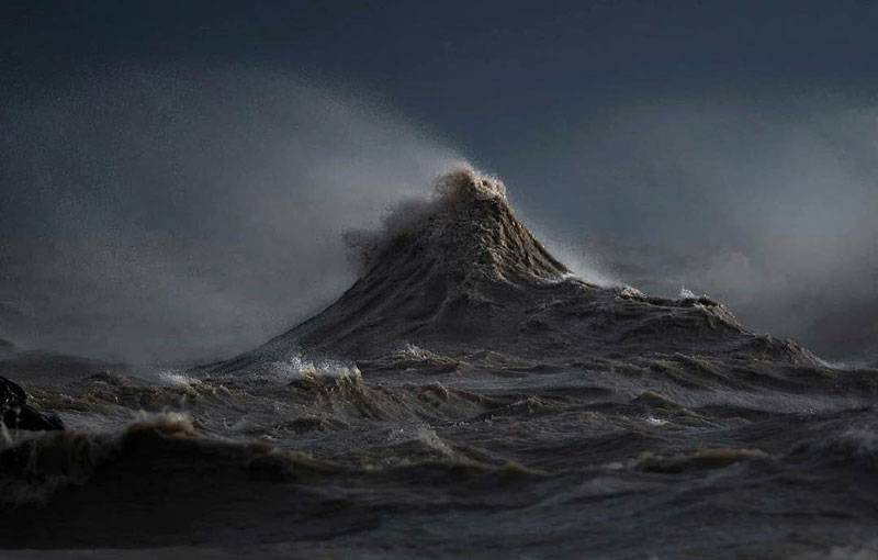 crashing waves liquid mountains by dave sandford (5)