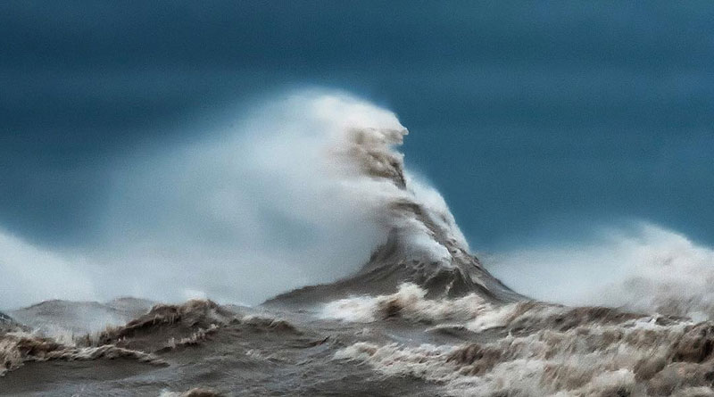 crashing waves liquid mountains by dave sandford (9)