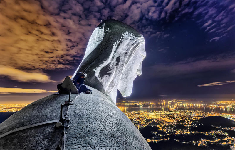 Daredevils Document Their Night Time Ascent of Rio's Christ the Redeemer (3)