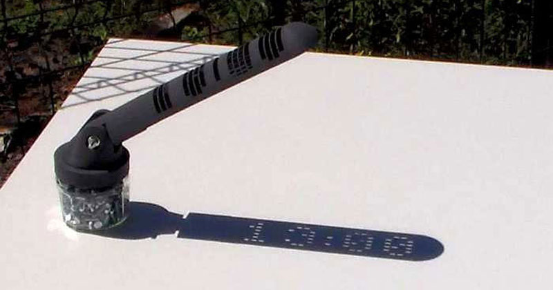 digital-sundial-that-you-can-3d-print-yourself-by-mojoptix-(cover)