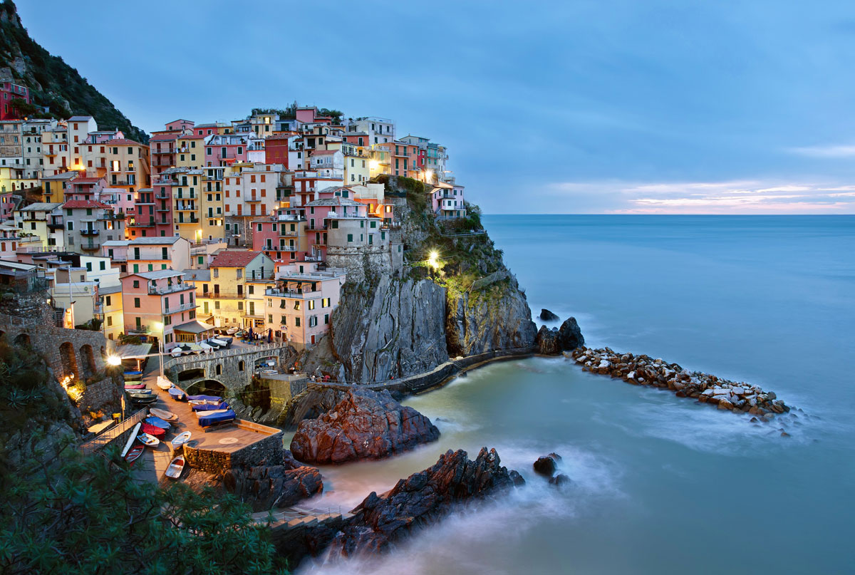 Picture of the day sunrise in manarola italy twistedsifter for The italian