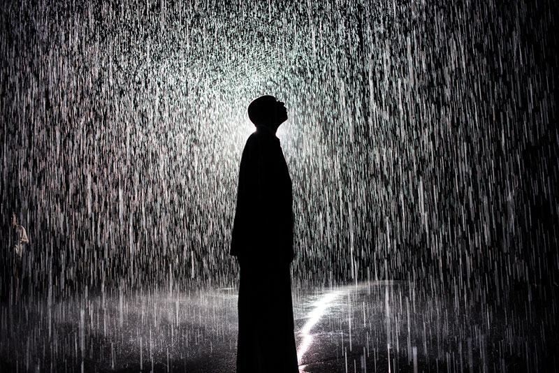 This Art Exhibit Lets You Walk Through Rain Without Getting Wet ...