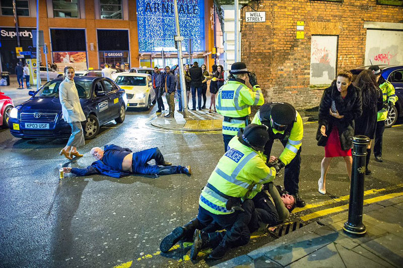 Drunken NYE Photo from Manchester is a Modern Day RenaissanceMasterpiece