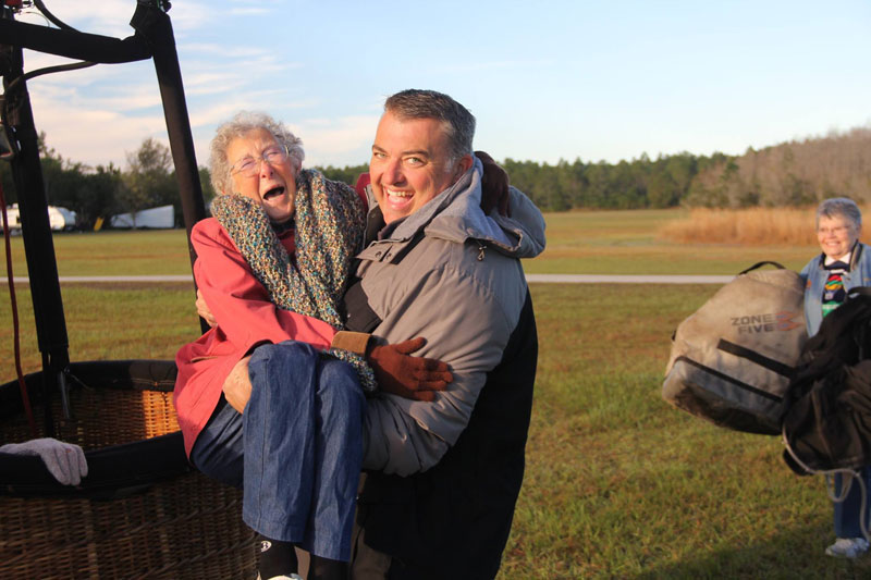 90-Year-Old Woman Chooses Epic Road Trip With Family Over Cancer Treatment (10)