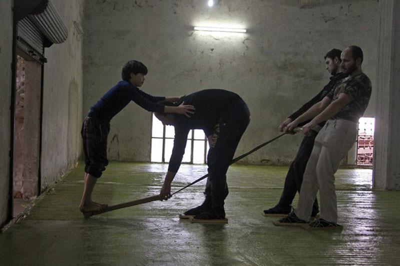making alepo olive oil soap in syria (2)