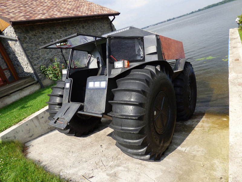 this russian designed amphibious truck with self inflating tires looks badass twistedsifter. Black Bedroom Furniture Sets. Home Design Ideas