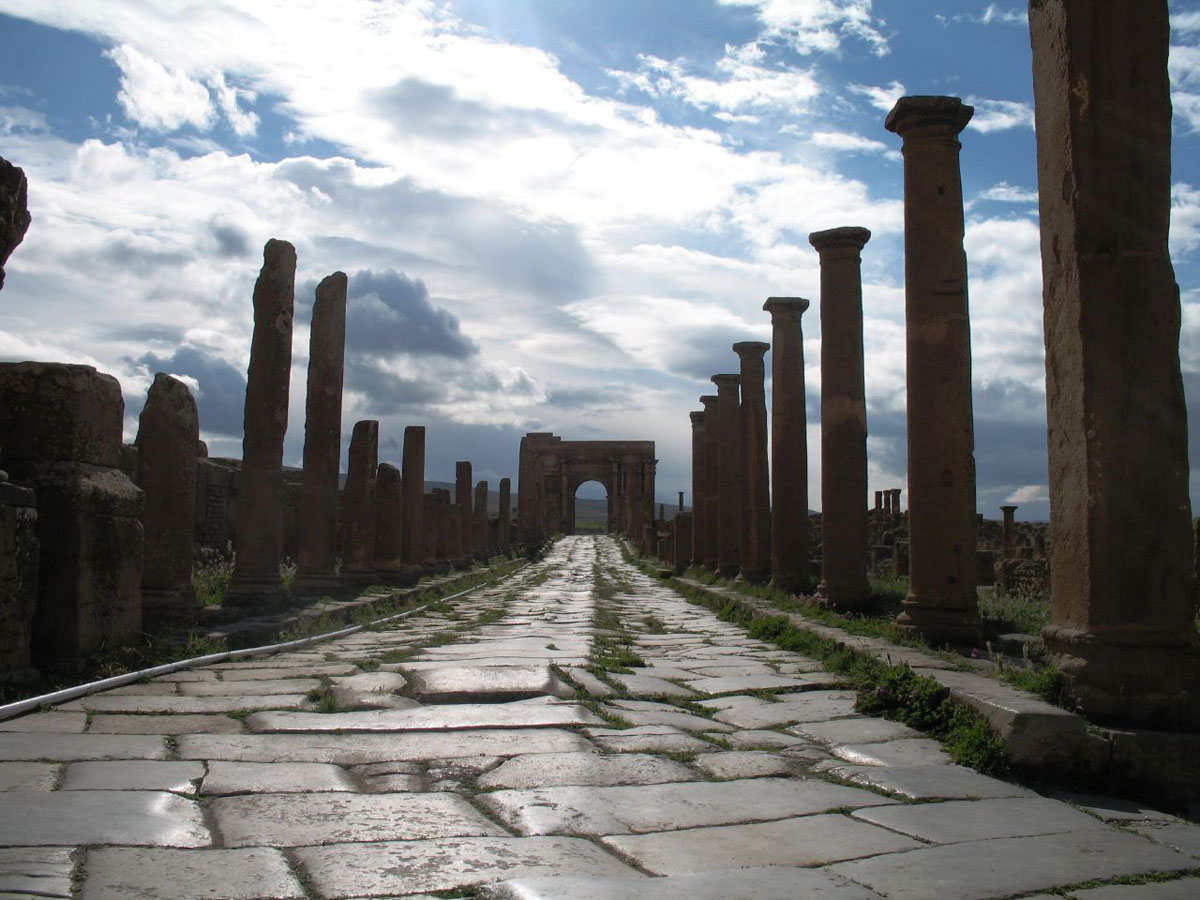 1800 year old road in algiers africa timgad Picture of the Day: An 1,800 Year Old Roman Road in Africa