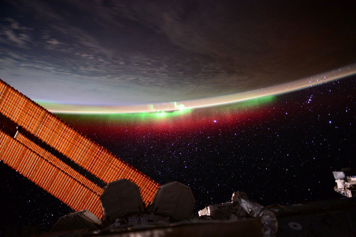 best pics from year in space nasa scott kelly (3)