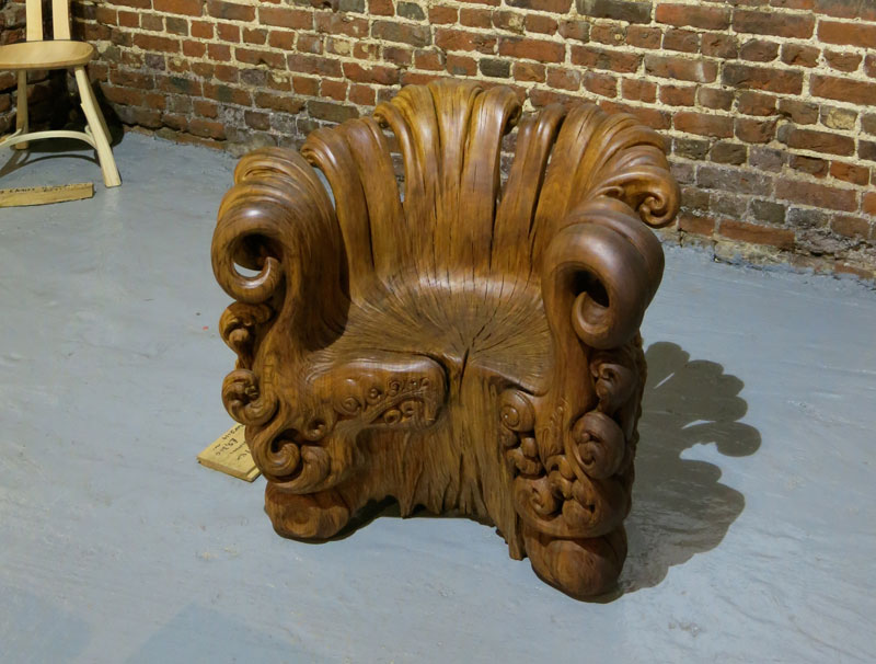 chair carved from single oak stump by alex johnson \(7\)
