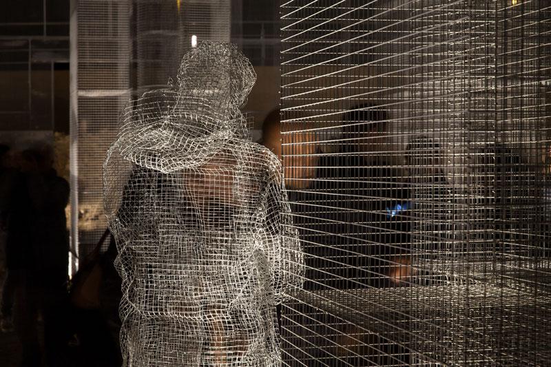 edoardo tresoldi wire mesh building (1)
