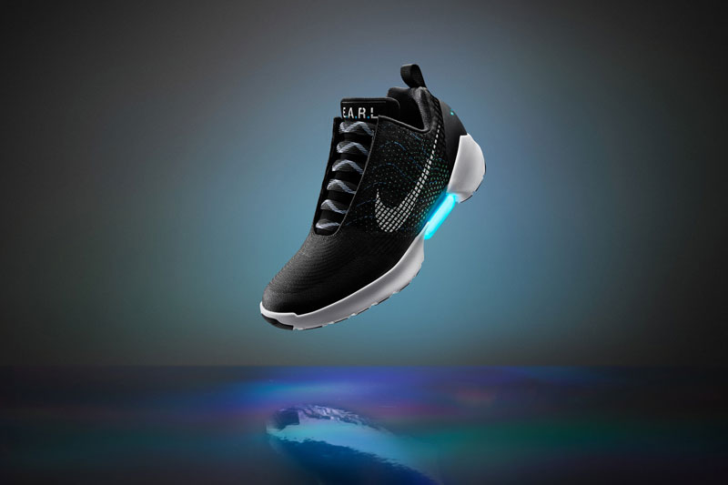 Nike Unveils Power Lacing Shoes That Automatically Tighten (4)
