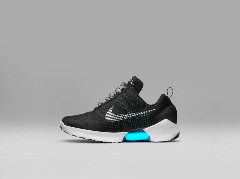 Nike Unveils Power Lacing Shoes That Automatically Tighten (8)