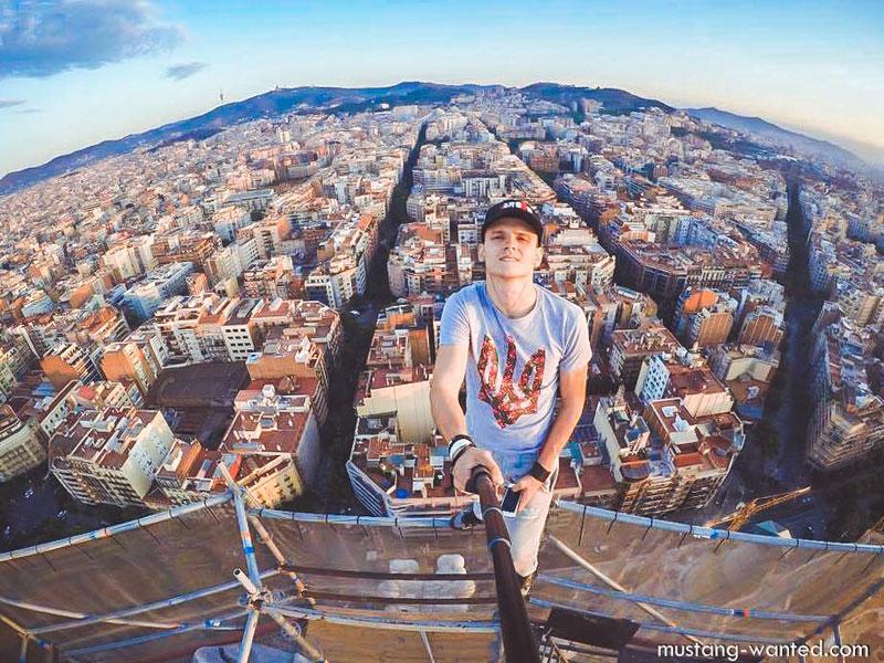 selfie from top of sagrada familia overlooking barcelona eixample grid neighborhood mustang wanted Picture of the Day: Overlooking Eixample from the Top of Sagrada Familia