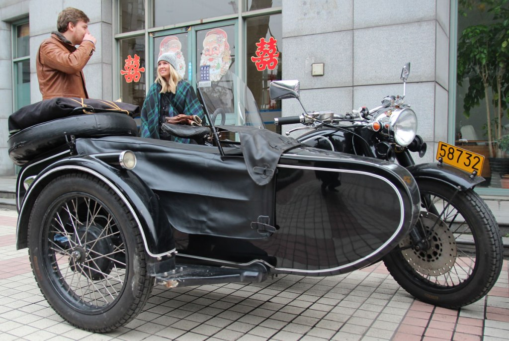 Exploring Shanghai in an Old School Sidecar (32 Photos)