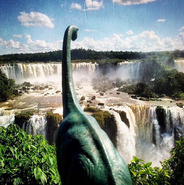 toy dinosaur photo series by jorge saenz (12)