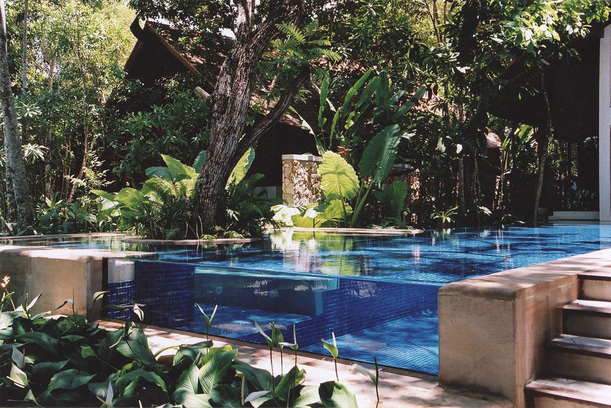 transparent-pool-Tubkaak Krabi Boutique Resort-thailand