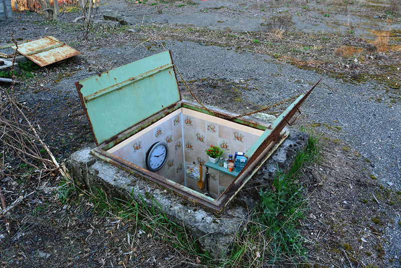 BIANCOSHOCK Installs Miniature Rooms Into Abandoned Manholes in ITALY (3)
