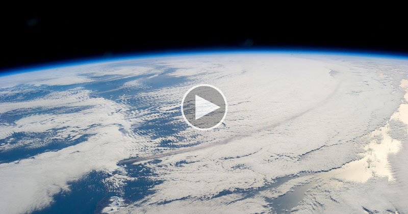 A Continuous 24 Hour Stream of Earth from the ISS If You Ever Want to Relax or Escape
