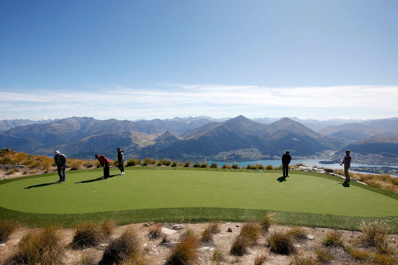 par 3 in the sky helicopter golf queenstown new zealand (12)