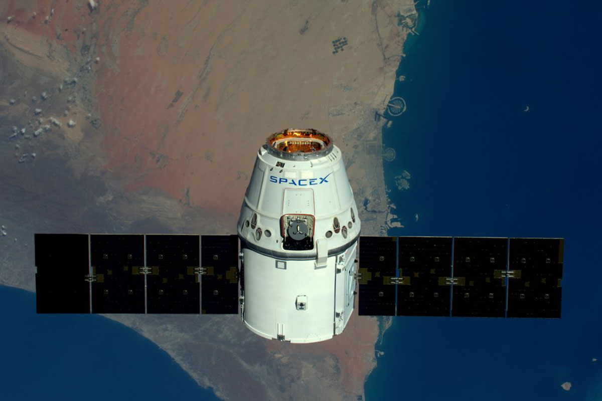 SpaceX-Rocket-Makes-Historical-Landing-After-Delivering-Payload-to-ISS-(10)