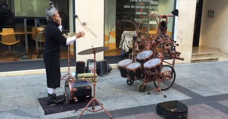 Awesome Street Performer Juggles Mallets and Plays Drums at the SameTime