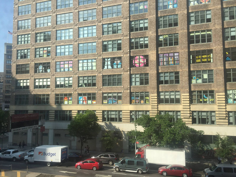 Two Buildings Were Having an Epic Post-It War Until This Happened (1)