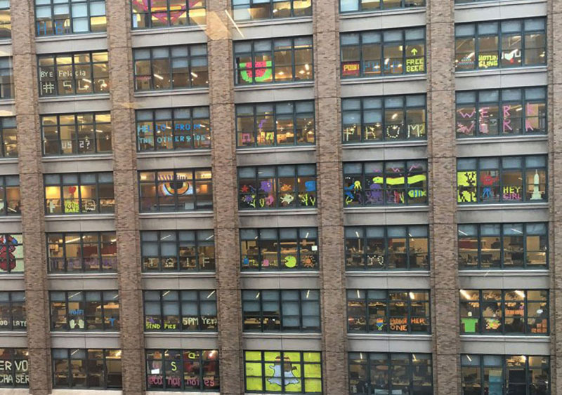 Two Buildings Were Having an Epic Post-It War Until This Happened (11)