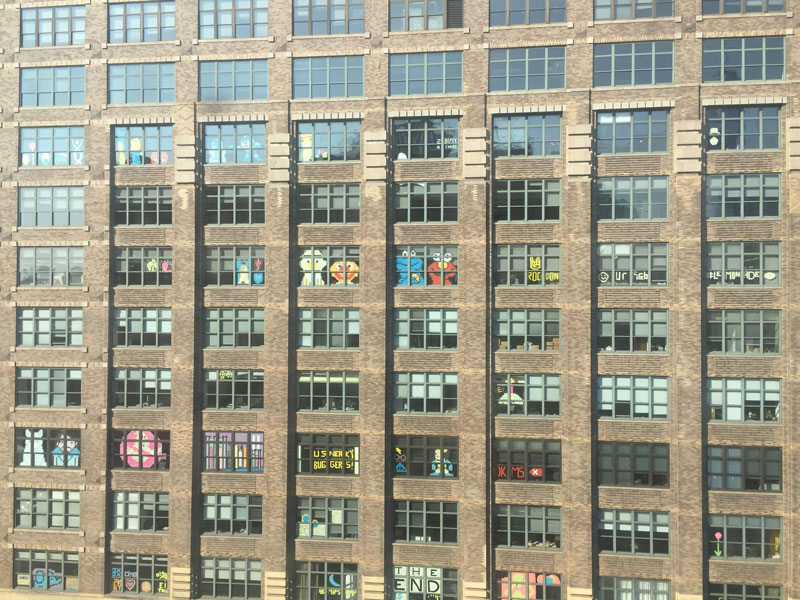 Two Buildings Were Having an Epic Post-It War Until This Happened (6)