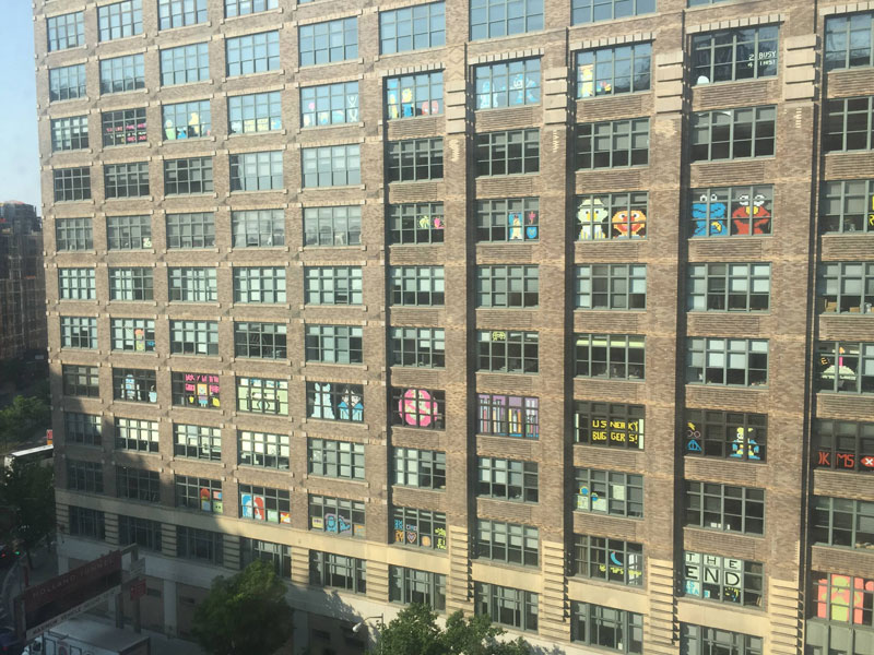 Two Buildings Were Having an Epic Post-It War Until This Happened (7)